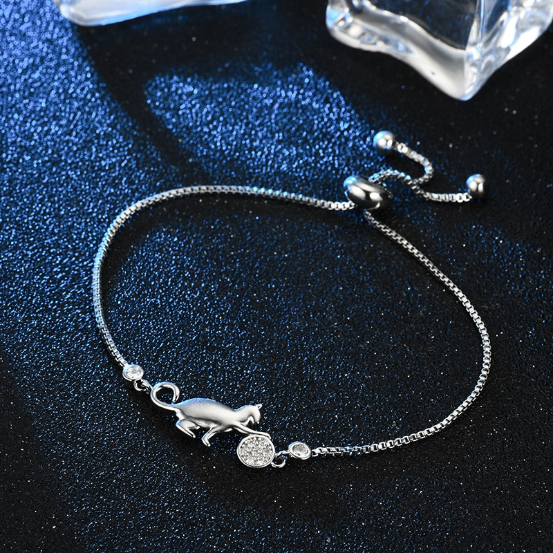 Stunning Silver crystal Cat and Ball charm Bracelet